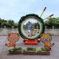 沖縄ワールドの鍾乳洞にビビる子供(5歳)